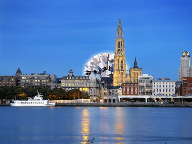 Антверпен (Antwerpen) – это не только столица провинции Антверпен во Фландрии, но и один из а самых купных портов в мире и Европе. Городок аккуратно расположился на одном из берегов реки, носящей необычное название Шельда всего в 48 км от Брюсселя и 51 км от Гента.