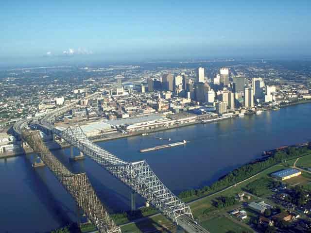 Новый Орлеан – это финансово-экономический центр юга страны. В городе есть аэропорт международного значения. Здесь развиты пищевая, химическая промышленности. В Новом Орлеане много достопримечательностей и музеев. Здесь расположено много университетов и институт.