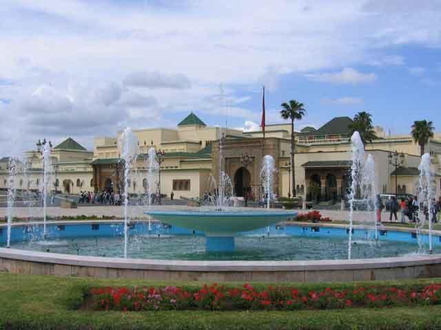 Город Рабат (Rabat) расположен на островном государстве, носящем название Мальта. Город когда-то основали финикийцы, затем он находился во владениях Римской Империи. В Средневековье Рабат принадлежал сначала мусульманам, а затем и мальтийским царям.