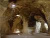 В некоторых пещерах на скалах находили изображения крестов, напоминающих знаки тамплиеров. По случайному совпадению, пещеры не только внешне, но и своими свойствами стали похожи на колокола: они также могут  накапливать энергию и сохранять акустику. В наши дни здесь нередко проводят концерты камерных оркестров. В Колокольных пещерах чаще всего это происходит на Пасхальной неделе
