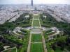 Елисейские поля как никакое другое место привлекает внимание парижан и туристов этого романтического города. Именно этот проспект недаром считается многими самым красивым во всем мире. Тянется он от знаменитого Лувра до Триумфальной арки, имея длину в 1915 метров и ширину в 71 метр.
