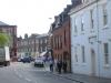 Итон (Eton) – это небольшой городок, который находится к юго-западу от Лондона и стоит на правом берегу реки Темзы. Славится город своим прекрасным Инстонским колледжем.