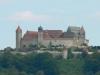 Впервые о жемчужине Баварии упомянули в 1056 году. В то время замок часто называли «Короной Фраконии». Его часто осаждали, хотя толстые стены крепости почти всегда спасали ее. Именно поэтому до XV века Фесте Кобург постоянно переходила из рук в руки, принадлежа то одной, то другой семье.