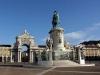 Лиссабон (Lisbon) хранит на своих стенах следы еще доэллинистической эпохи. Замок Сау-Жоржи построен во времена правления римлян. Сейчас можно увидеть неплохо сохранившееся строение, бывшее долгое время резиденцией португальских королей.