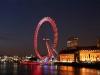 Колесо обозрения гигантских размеров, установленное на берегу Темзы, жители столицы не зря называют «Лондонским глазом» (London Eye). В высоту оно достигает 135м, в диаметре – 120м. Британское колесо является самым большим в Европе. В Великобритании этот аттракцион пользуется огромной популярностью как у самих англичан, так и у гостей Лондона. Ежегодно его посещают около 3,5 млн человек.