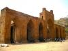 Город Аджмер толпы мусульман захватывали, разворовывали и разрушали по крайнеме мере дважды. Военные начальники Мухаммад Гурии и Махмуд Газневи, в свое время, пытались удержаться в Индии, заставляя местное население уверовать в Аллаха.