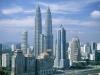 Одну башню целиком занимает фирма «Petronas» и ее дочерние компании. В другой расположены офисы всемирно известных фирм: Microsoft, Boing, Reuters, IBM.
