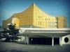 Берлинская филармония отличается тем, что состоит из двух залов: большого (который рассчитан на 2440 зрителей) и Камерного (1180 зрителей). Причем последний достраивали уже в 80-х годах прошлого столетия.