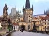 Пражский Град изначально служил укрепленным поселением славянских людей, а затем был резиденцией чешских королей и императоров Рима.