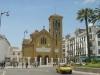 Состоит Тетуан из трёх основных частей – арабский квартал Медина застроенный испанцами в начале 20 века квартал Энсаче, и возведенные совсем недавно «спальные» районы на окраинах города. Необычный вид городу придают раскрашенные в голубой цвет дома. Королевский дворец является самой интересной достопримечательностью Тетуана. Древняя касба, которая окружена несколькими мечетями, расположилась в самом центре города.