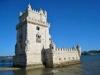 Для пущей «авторитетности» замок украсили родовыми символами Мануэля I. Его опоясывает толстый канат из камня, который в разных местах заканчивается крестами Военного ордена Христа, сферами и элегантными узлами.