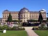 Архитектурный комплекс Вюрцбурга состоит из сорока покоев, в каждом из которых находится великолепная мебель, скульптуры, мозаичные окна, лепная отделка с позолотой.